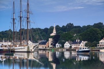 Mystic, Connecticut | Why go: The best spring break getaway is in your backyard! Consider taking a staycation in Mystic next spring – it's budget friendly and there's not much pesky traveling time. Enjoy all things nautical, grab some ice cream at the Mystic Drawbridge, and let the sea breeze lull you to sleep.